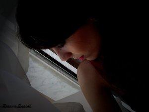 """Priviri din umbră"" Copyright (C) Roxana Enache"